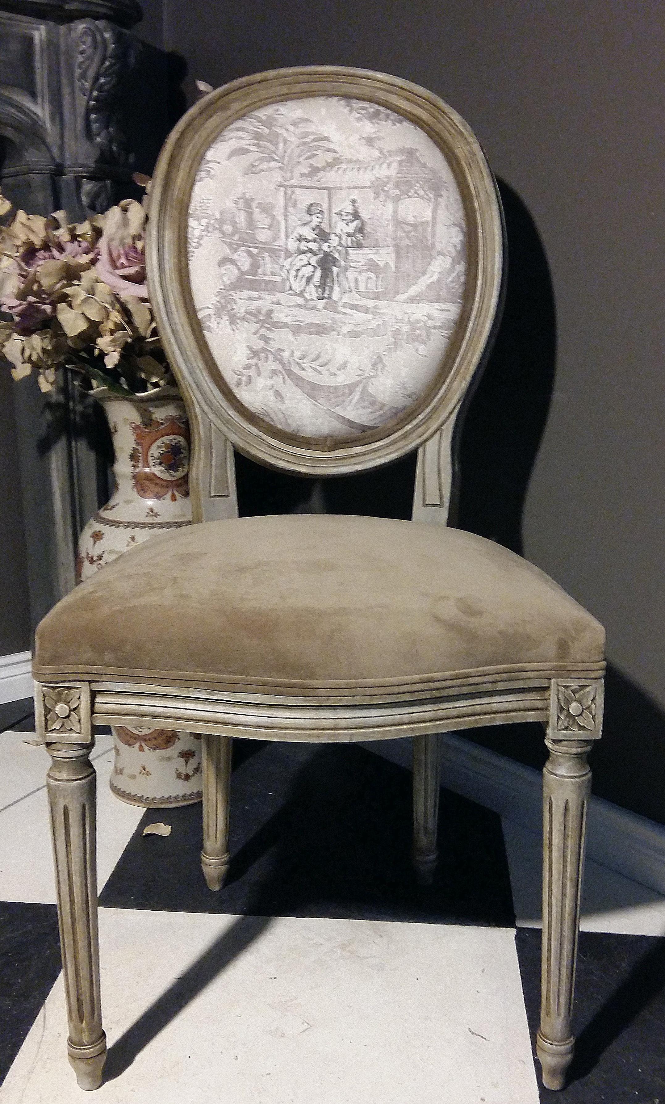 19 Wieczne Krzeslo Ludwik 16 Atelier Emerald